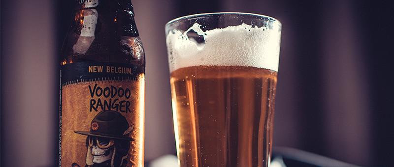 クラフトビールとグラスのイメージ